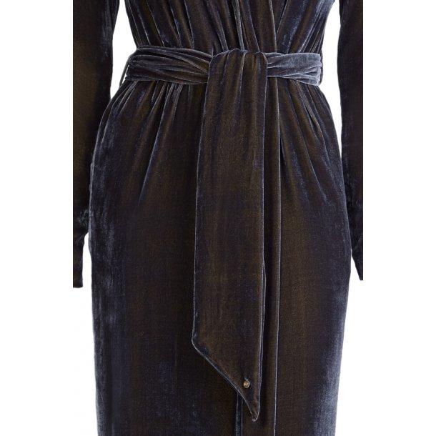 Classic Coal Silk Velvet