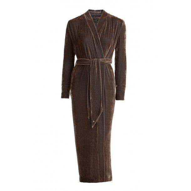 Classic Nougat Silk Velvet