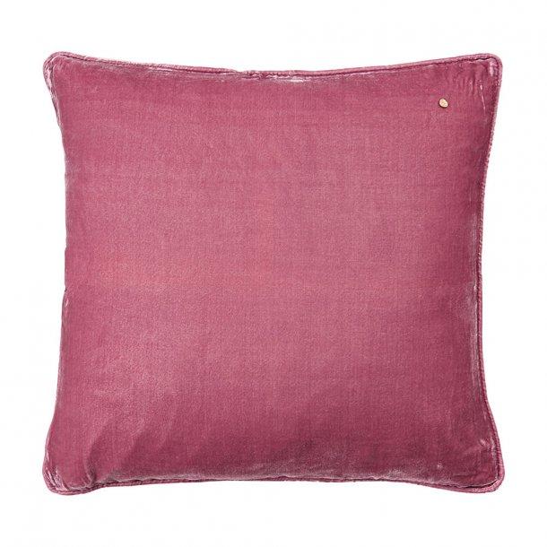 Framboise silk velvet pillow